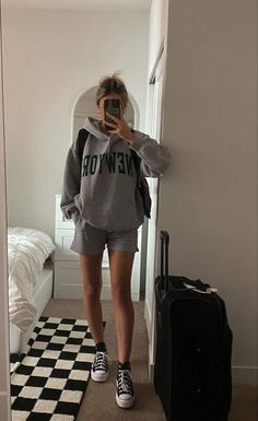 Lazy Day Outfits, Chill Outfits, Sporty Outfits, Cute Casual Outfits, Simple Outfits, Fashion Outfits, Outfits With Converse, Clothing Hacks, Fall Winter Outfits