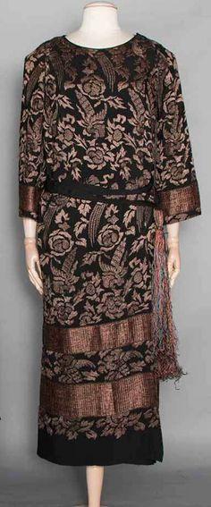 1920s - Unknown. Silk.