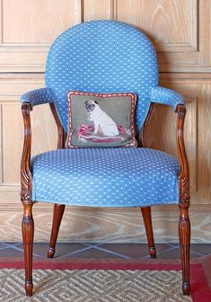 A Hepplewhite chair wear a blue linen-and-cotton mini-print. - Traditional Home ® / Photo: James Merrell / Design: Mark Gillette