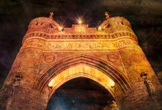 This is the Soldiers' and Sailors' Memorial Arch near the capitol building in Hartford Connecticut. I took this a few nights ago in the twenty degree chill and so not too many people were out. However, as I set up for this shot someone starting walking towards me while singing quite loud. I sized up my situation but had nothing to worry about as the gentleman simply inquired about my photography. Turns out there was a concert, opera I think, just up the way and he was just walking home…