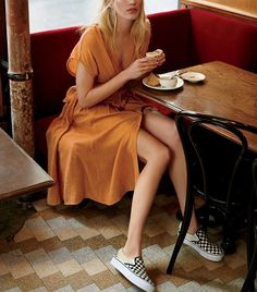 Every Girl in NYC Is Wearing This Outfit via @WhoWhatWearUK