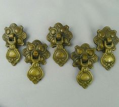 Lot of 8 Vintage 60s Round Ivory Oak Wood /& Brass Cabinet Knobs Drawer Pulls