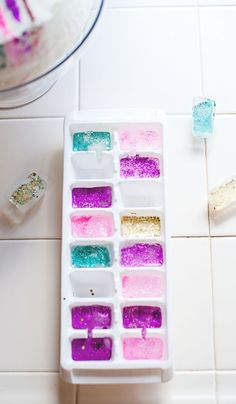 glitter ice cubes • A Subtle Revelry