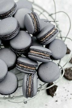 Oreo macarons.