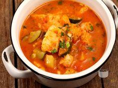 Tocanita de peste cu legume Soup Recipes, Recipies, Healthy Recipes, Romanian Food, Halibut, Thai Red Curry, Seafood, Good Food, Food And Drink