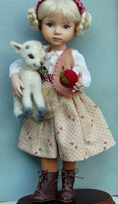 10 porcelain doll Heidi and the Apple goat OOAK par Kuwahidolls