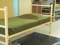 How to make a tidy bed with hospital corners