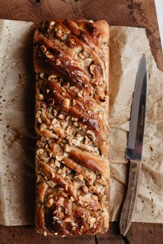 Delicious, sweet and easy fall recipe: apple cinnamon babka bread with a touch of cardamom powder! Babka Cake, Babka Bread, Cinnamon Babka, Apple Cinnamon, Cinnamon Recipe, Brunch Recipes, Fall Recipes, Dessert Recipes, Autumn Recipes Baking