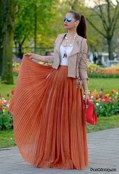 29 Ways to Style Your Maxi Skirts – Fashion Style Magazine - Terra cotta pleated maxi skirt with white top and nude moto jacket / Fall outfit / Date Night / Going Out Mode Outfits, Fashion Outfits, Womens Fashion, Fashion Ideas, Fashion 2015, Dress Fashion, Stylish Outfits, Long Skirt Fashion, Outfits 2014