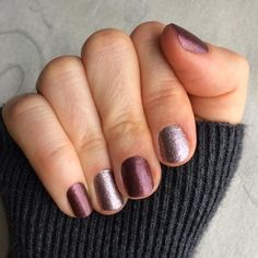Sparkling Marsala + Rose Gold Sparkle = my two favorite sparkle wraps! Love my Jamberries! #jamberry #jamberrynails https://stephaniecrosby.jamberrynails.net/