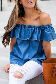summer outfits off the shoulder chambray top
