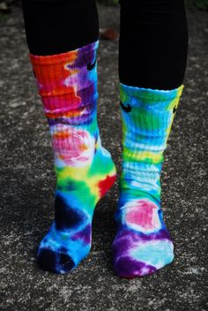 Psychedelic Tie Dye Nike Crew socks bright fun by DardezDesigns Tye Dye, Tie Dye Socken, Shibori, Tie Dye Party, Tie Dye Crafts, Tie Dye Outfits, Neon Outfits, Tie Dye Shirts, Bleach Shirts
