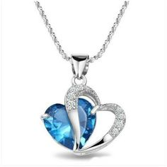 Sterling Silver Necklace Natural Amethyst Crystal Heart Shaped Pendant (58 BRL) ❤ liked on Polyvore featuring jewelry, pendants, blue, jewelry & watches, necklaces, amethyst crystal pendant, amethyst pendant, crystal pendant, sterling silver heart pendant and sterling silver amethyst pendant