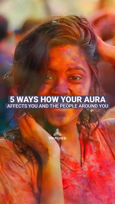 Some people make us feel really good just by looking at them. This also works in the opposite way, of course, with which we don't have a good feeling about. So, discover how your aura affects you and the people around you. Relationship Advice, Relationships, Astrology And Horoscopes, Self Empowerment, 5 Ways, Wisdom Quotes, Feel Good, Spirituality, Knowledge