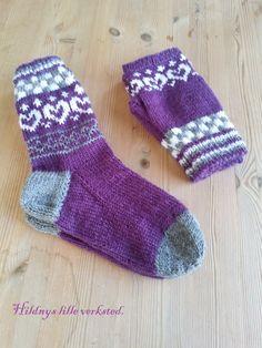 sokker med eget mønster. Socks, Fashion, Moda, Fashion Styles, Sock, Stockings, Fashion Illustrations, Ankle Socks, Hosiery