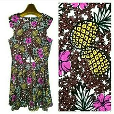 $24 WEEKEND SALE! <BONGO> Tropical Floral Dress Adorable dress with peekaboo triangle cut out at the midriff. Exposed back zipper. Polyester/spandex, machine wash and dry. Brand new with tags. Small and Large also available in my closet. 20% off bundles! BONGO Dresses