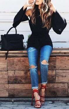 #fall #style Black Top // Destroyed Jeans // Red Pumps