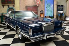 1977 Lincoln Continental 2-Door Coupe