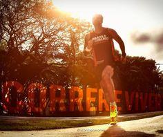 Bom dia bom domingo!! Bons treinos!! Boa prova pra quem vai competir!! Espero que não tenham perdido a hora com o início do horário de verão!! Energias positivas a todos!! . . #acordapracorrer #focanacorrida #rwbrasil #marcelocamargotreinamento #correrecompartilhar #brasilrunners #runitfast #euatleta #marathon #vccorrendo #corredoresamigos #viciadosemcorridaderua #endorfina #foco #vidadeumcorredor #vidadeatleta #fb