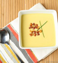This Sweet Corn and Squash Soup with Crispy Pancetta is a delicious way to enjoy the fresh-picked flavor of sweet corn. Healthy Soup Recipes, Cooking Recipes, Yummy Eats, Yummy Food, Jai Faim, Sweet Corn Soup, Incredible Edibles, Squash Soup, Lemon Recipes