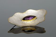 Silver brooch with amethyst - product images  of SCHJ #silverbrooch #silverjewellery #jewelry #jewellery #brooch #jewelleryblog #jewelleryboutique