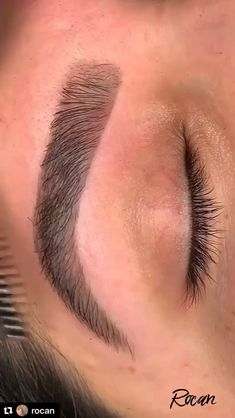 Eyebrow goals 😍😍 - Eyebrow goals 😍😍 By: Rose Ann Monte Best Picture For diy crafts For Your Taste You are look - Zendaya Eyebrows, Eyebrows Goals, Bad Eyebrows, How To Draw Eyebrows, Eyebrows On Fleek, Perfect Eyebrows, Drawing Eyebrows, Round Eyebrows, Thicker Eyebrows
