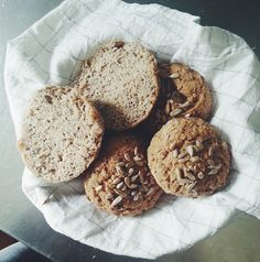Healthy Gluten Free Recipes, Vegan Gluten Free, Tasty Bites, No Bake Desserts, Muffin, Vegetarian, Yummy Food, Dishes, Baking