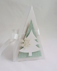 The cutie pie thinlit makes a great Christmas box because it has a Christmas tree shape. It's always great when a thinlit is versatile. Christmas Treats For Gifts, Christmas Crafts, Origami, Chrismas Cards, Pie Box, Exploding Box Card, Boxes And Bows, Stampin Up, 3d Paper Crafts