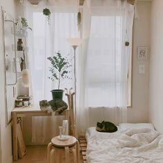 ❄🌸MyMarieta🌸❄ Bedroom Layouts, Room Ideas Bedroom, Small Room Bedroom, Home Bedroom, Bedroom Decor, Bedrooms, Minimalist Room, Minimalist Home Decor, Asian Room