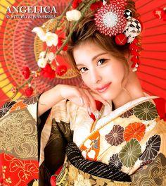 【公式】滋賀 振袖 レンタル/biwa桜 OFFICIALはInstagramを利用しています:「biwa桜の前撮りは凄い🎈🥳🎉  biwa桜では前撮り撮影のみのご予約も承っております📸  神戸コレクションプロのヘアメイクをしたあと、プロカメラマンによる感動の写真撮影❣️ 更には、プロの技術マンによる補正レタッチ加工で、最高に綺麗で可愛い写真に仕上げ…」 Pink, Black, Instagram, Fashion, Moda, Black People, Fashion Styles, Fasion, Roses