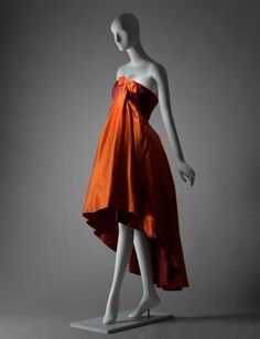 Arnold Scaasi evening dress ca. 1958 via The Museum of Fine Arts, Boston