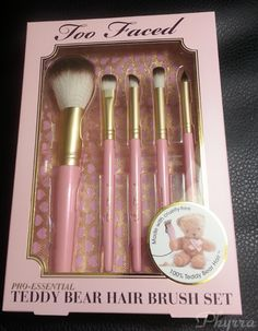 Too Faced Pro-Essential Teddy Bear Hair Brush Set Review via @Phyrra #toofaced #makeup #brushes