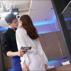 Lee Jong Suk - W Behind the scenes ©Naver #jongsuk0206 #leejongsuk #ljs…