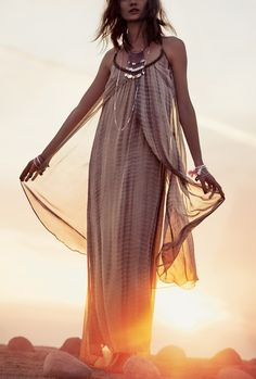 Obsessed with this boho maxi dress for spring.