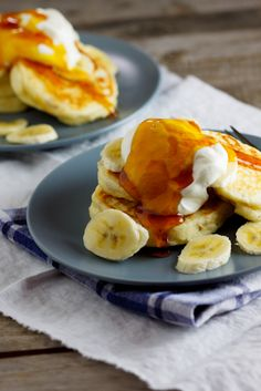 Quick and easy pancakes with banana, honey & yoghurt. #Recipe #Breakfast