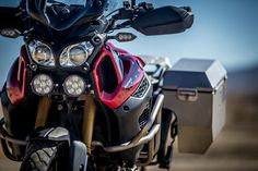 Front view of the Yamaha Super Tenere ES Motorcycle Camping, Motorcycle Style, Camping Gear, Yamaha Motorcycles, Cars And Motorcycles, Super Tenere, Gs500, Adventure Gear, Dual Sport