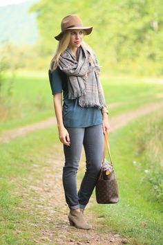Mountain Retreat: H&M camel wool felt panama hat, oversized brown plaid scarf, LOFT oversized tee, gray skinny jeans, tan suede ankle booties, Louis Vuitton totally MM tote, fall layers, cuffed denim