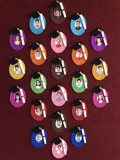 23 Clever DIY Christmas Decoration Ideas By Crafty Panda Graduation Crafts, Pre K Graduation, Kindergarten Graduation, Graduation Decorations, School Decorations, Preschool Crafts, Crafts For Kids, Arts And Crafts, Paper Crafts