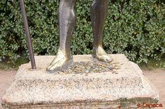 Moeda pra estátua