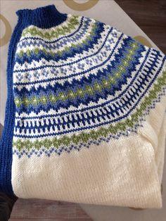 Bilderesultat for kofte mandelblomst Fair Isle Pattern, Ragnar, Drawing Reference, Elsa, Knitting Patterns, Knit Crochet, Knitting Machine, Pullover, Blanket