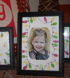 Sara vs. Sarah: Thumbprint Art - Christmas Lights Picture Tutorial