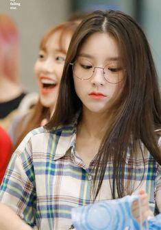 "Sequel of ""The Perfect Husband Korean Makeup, Korean Beauty, Girl Photo Poses, Girl Photos, South Korean Girls, Korean Girl Groups, Cute Girls, Cool Girl, Korean Girl Photo"