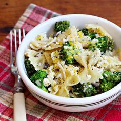 Bow tie pasta with broccoli and white beans
