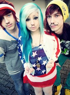 They make me want a septum piercing now<3 Verena Schizophrenia