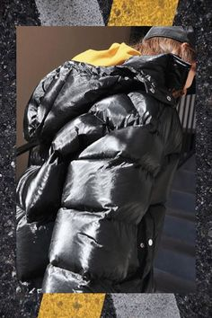 Get your puffer on! ✨ What do you think about puffer jackets? Puffer Jackets, Winter Jackets, Aw17, Fashion Models, Fashion Trends, Winter Wear, Supermodels, Ready To Wear, Clothes For Women