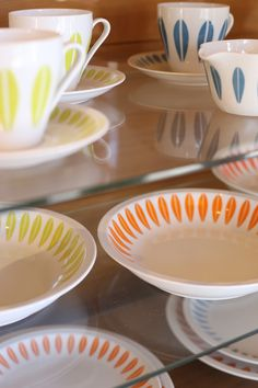 CathrineHolm   Lyngby Porcelain DAN-ILD Kitchen Ware, Kitchen Items, Beautiful Kitchens, Beautiful Interiors, Lotus Design, Mid Century Modern Kitchen, Scandi Style, Danish Design, Scandinavian Design