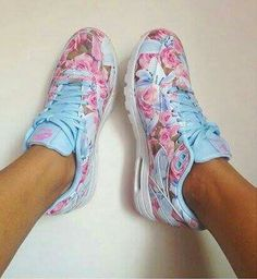 super popular f793e 5e832 Lit Shoes, Shoes 2015, Girls Sneakers, Air Max Sneakers, Sneakers Nike,