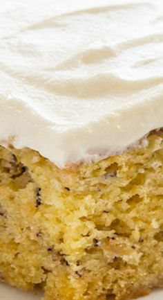 Moist Banana Cake that's good for breakfast or an afternoon pick-me-up. Everyone will be begging you for the recipe. Best Cake Recipes, Banana Recipes, Sweets Recipes, Cupcake Recipes, Cupcake Cakes, Cupcakes, Bread Recipes, Easy Recipes, Favorite Recipes