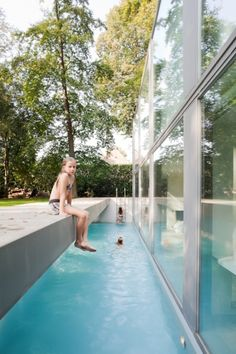 In the area of Bruges in Belgium, the local architects Benny Govaert & Damiaan Vanhoutte designed Villa Roces, a family house and a conceptual hom...
