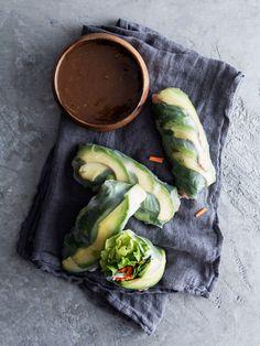 avocado summer rolls // The Tart Tart #glutenfree #vegetarian #vegan